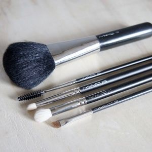 5 MAC Cosmetic Brushes 134, 204, 219S, 217, 266